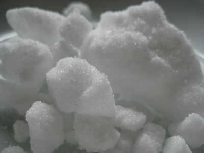 Cinnamomum camphora, Camphor crystals